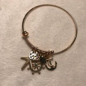 Gold Beach Dangle Bracelet.